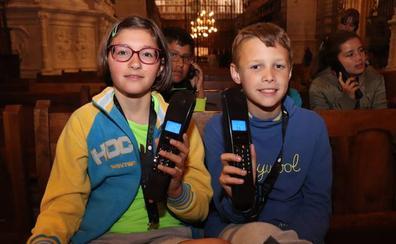 Lesmes y Mencía, los mejores guías para los pequeños en la Catedral de Burgos