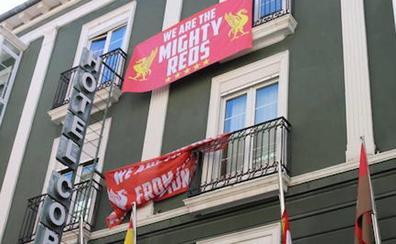 Un millar de ingleses hacen escala en Burgos antes de llegar a Madrid a la final de Champions