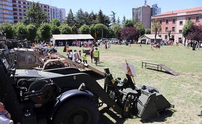 Las Fuerzas Armadas se abren a los burgaleses exhibiendo sus equipos y medios de trabajo