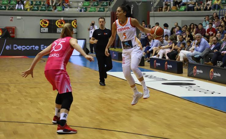 Las mejores imágenes del partido de baloncesto entre España y Letonia