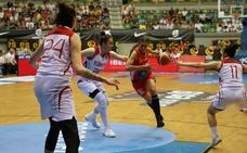España sufre pero derrota a Turquía en la final