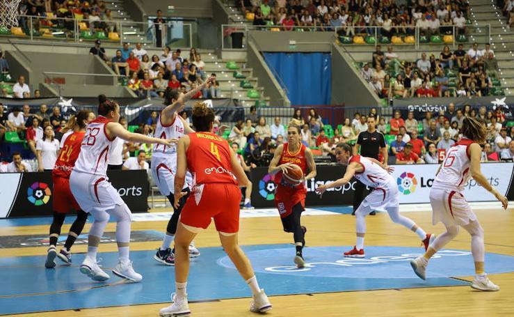 Imágenes del partido de baloncesto femenino entre las selecciones de España y Turquía