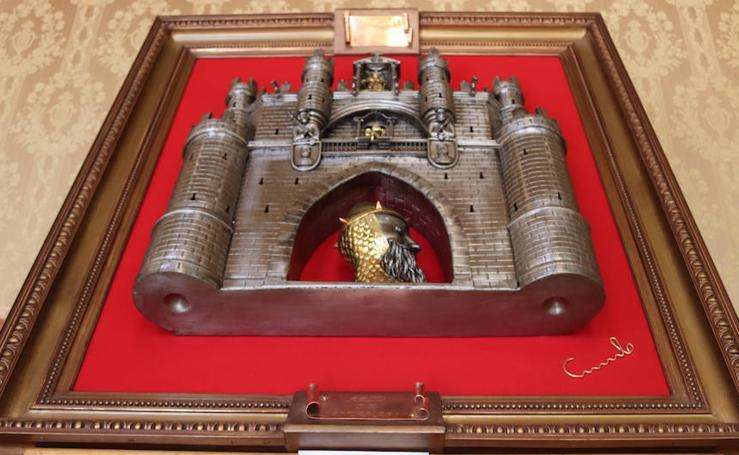 Resultado de imagen de la exposicion el metal hecho arte