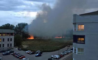 El juego con el fuego y las pelusas vuelve a causar un incendio en El Parral