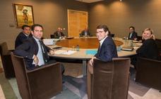Ciudadanos y PP, «esperanzados» ante un «buen punto de partida» con «muchas coincidencias» para cerrar un «gran pacto»