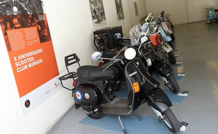 Imágenes de la exposición organizada por Scooter Club Burgos con motivo de su X aniversario