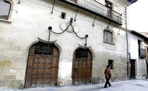 La Casa de las Cadenas de Miranda, en la que se hospedó Napoleón, a la venta por 750.000 euros