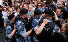 El Kremlin desactiva el movimiento de apoyo a Golunov para evitar que se instale como protesta permanente