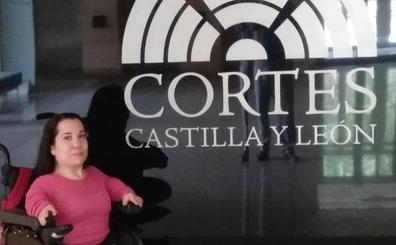 Adaptan las Cortes de Castilla y León para que la burgalesa Noelia Frutos acceda a su escaño