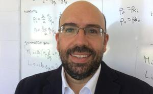El físico Ángel Ballesteros hablará de la física cuántica en el ciclo 'Cerveza con Ciencia', el 19 de junio