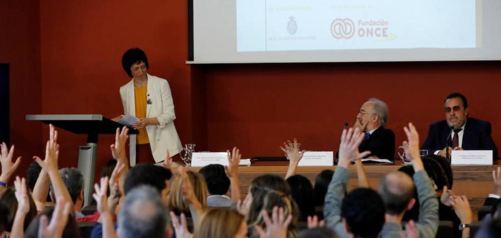 El Diccionario de la Lengua de Signos entra en la era digital avalado por la RAE
