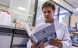 El doctor de la UBU Jesús Garoz Ruiz obtiene el Premio 'Antonio Aldaz' a la mejor tesis doctoral de la Electroquímica en España