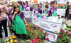 Planea Emprendedores celebra este sábado su feria de cooperativas escolares en el paseo del Espolón