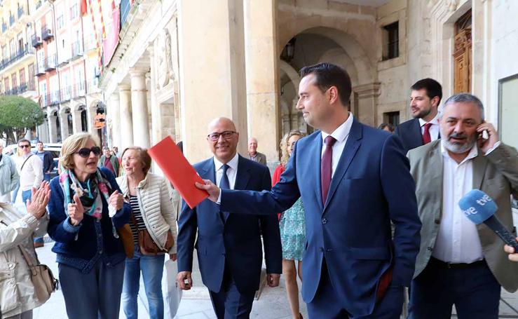 Pleno de Constitución del Ayuntamiento de Burgos en el que ha sido investido como alcalde Daniel de la Rosa (PSOE)