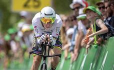 Rohan Dennis gana la primera etapa y se coloca líder