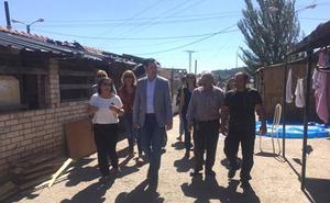De la Rosa anuncia un programa de realojo para acabar con 'El Encuentro', último poblado chabolista de Castilla y León