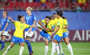 Marta, máxima goleadora de los mundiales