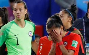 Un penalti fallado deja a Chile sin octavos