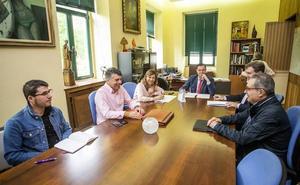 PP, Cs y Vox hacen grupo en la primera junta de portavoces del nuevo mandato municipal