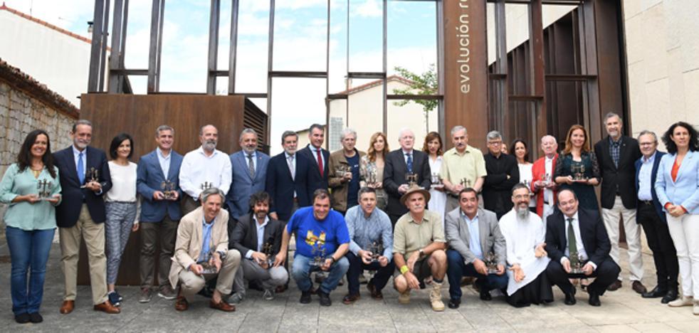 Un nuevo espacio para el fondo documental de Aguirre, el padre de Atapuerca