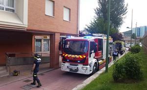 Evacúan al HUBU a un matrimonio afectado por inhalación de humo tras dejarse olvidada una cazuela al fuego