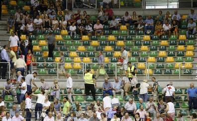 Desalojan un tendido del Coliseum en plena corrida por peligro de desprendimiento