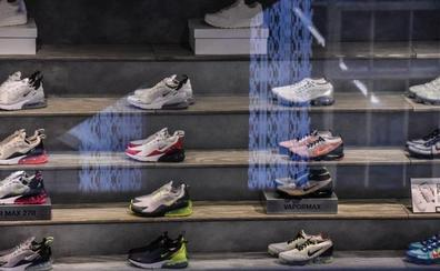 Nike retira unas zapatillas con la vieja versión de la bandera de EE UU