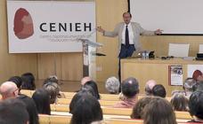 El Cenieh celebra una década de investigación y divulgación en sus instalaciones con una conferencia del paleoantropólogo Tim White