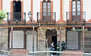 Detienen al cuñado de la mujer asesinada en Salas por maltratarla cuando no estaba su marido
