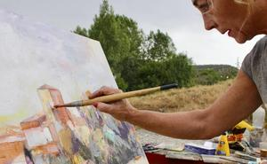 Santo Domingo de Silos se llena de pintores pese a la amenaza de lluvia