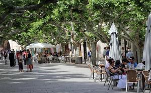 Los hosteleros confían en «acercar posturas» con De la Rosa para cerrar un acuerdo sobre la nueva ordenanza de terrazas