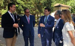 Mañueco se compromete a acortar los plazos para la construcción del nuevo hospital de Aranda