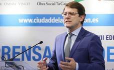 Mañueco continúa en conversaciones para conformar su Gobierno y «no se marca plazos»