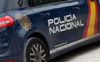 Pillan 'in fraganti' a un ladrón, al que se le atribuyen robos por valor de 6.000 euros, en el interior un bar de San Cristóbal