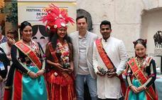 Recepción de los participantes del 43º Festival Internacional de Folclore 'Ciudad de Burgos' en el Palacio de Castilfalé
