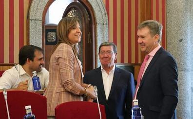 Lacalle acusa de «irresponsable» a De la Rosa, que promete «el oro y el moro» sin tener mayoría municipal