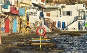 Milos, isla paradisíaca de ambiente marinero al sur de Grecia