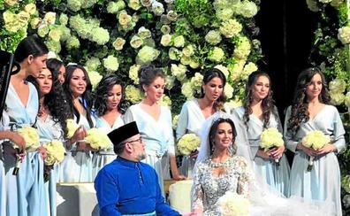 El exrey de Malasia se divorcia de la 'miss' rusa