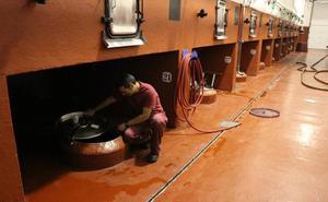 Las bodegas de la Ribera defienden la limpieza segura y sin productos tóxicos de los depósitos de vino