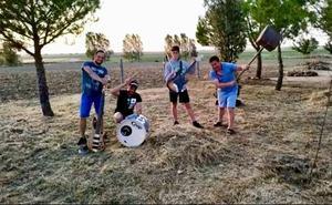 El desesperado 'hit' del verano contra los topillos en Tierra de Campos