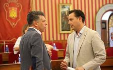 PSOE y CS pactan las nuevas retribuciones de los corporativos con un acuerdo del que se descuelgan PP y VOX