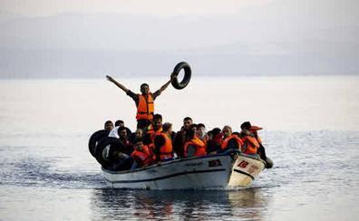 Bruselas ve urgente un acuerdo para el desembarco de inmigrantes tras el naufragio frente a Libia