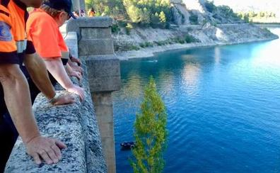 Hallado el cadáver de un joven que saltó desde una altura de 30 metros en un pantano de Guadalajara