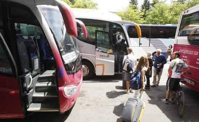 Los viajeros llegan a pagar hasta un 30% más en las rutas de autobús