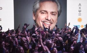El líder opositor Alberto Fernández se impone en las primarias de Argentina