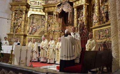 Burgos pide a Santa María la Mayor una sociedad «más justa, más acogedora y humana»