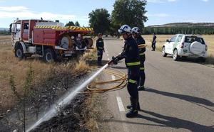 Los bomberos de la capital sofocan un incendio en San Millán de Juarros