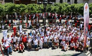 Agés echa a andar en una marcha solidaria en apoyo a la Cruz Roja