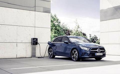 Tecnología híbrida recargable para los Mercedes Clase A y B