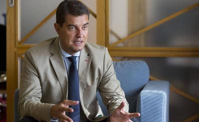 Ibáñez apela a la «prudencia» para reimplantar las 35 horas semanales a los funcionarios de Castilla y León